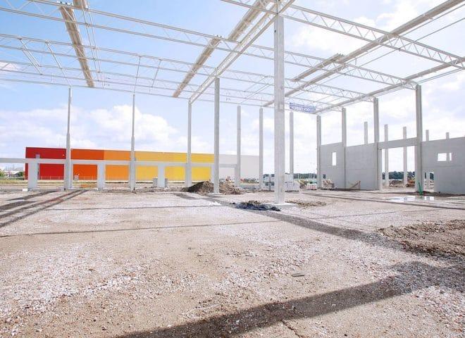 Gerüst der Logistikimmobilie für Decathlon Hybridgebäude