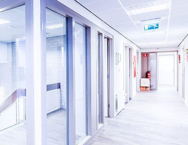 Flur eines Bürokomplexes