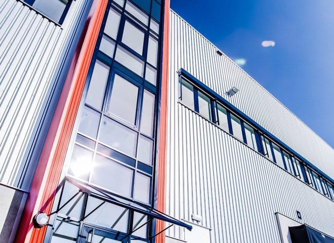Objektansicht Logistikpark Rade Wenzendorf Eingang Froschperspektive