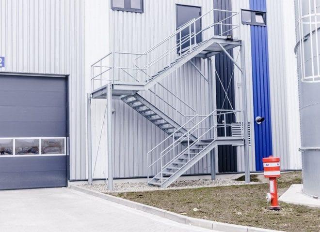 Objektansicht Rudolph Salzgitter; Zugang von außen über Treppen