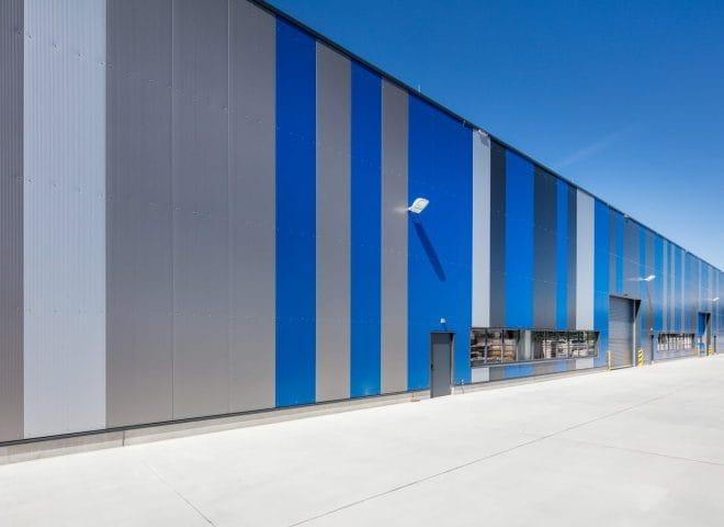 Blaue Logistikimmobilie