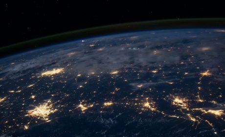 Weltraumansicht Städte bei Nacht
